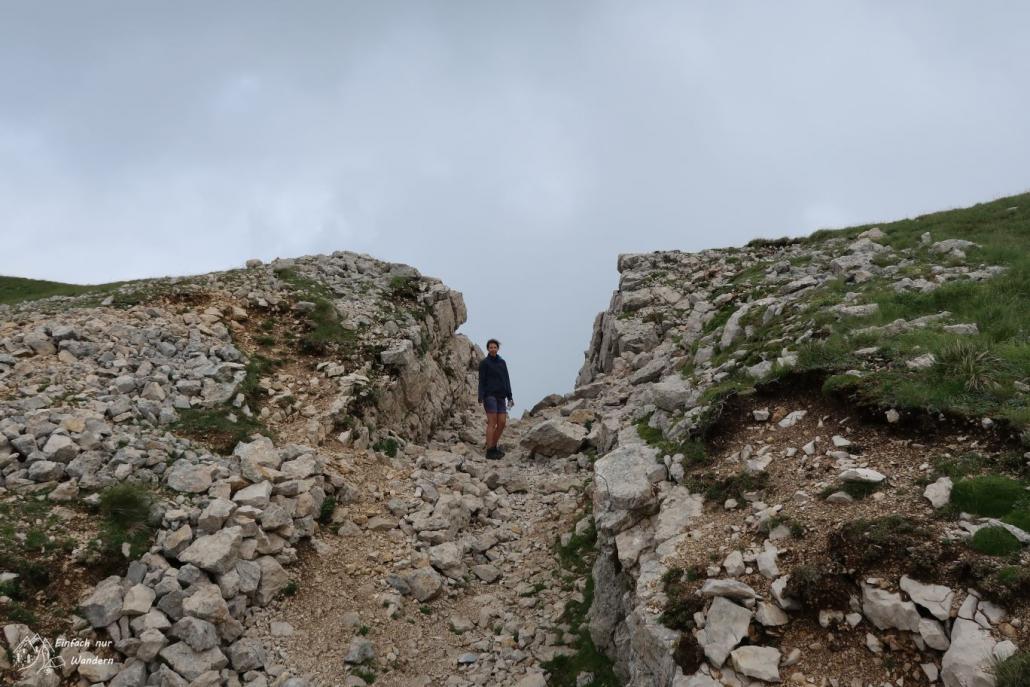 Ein Durchbruch im Felsen - der Passo del Camino