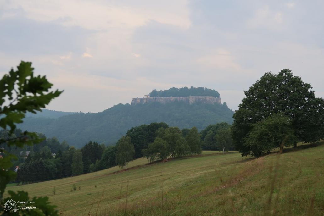 Auf den letzten Teil des Malerweges sieht man immer wieder die Festung Königstein.