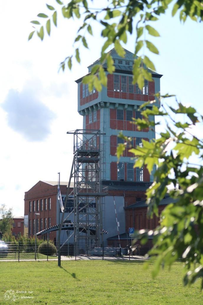 Noch einmal das Bergbaumuseum in Oelsnitz von einer anderen Perspektive. Damit endet auch die Wanderung auf dem Steinkohlenweg.