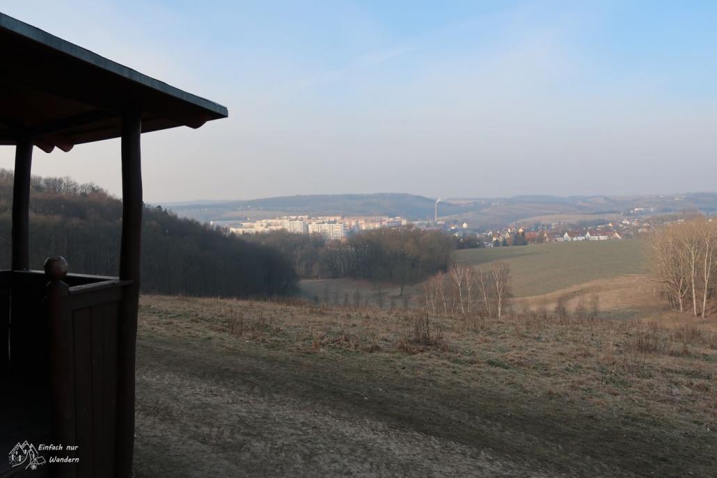 Von einer Anhöhe eröffnet sich ein schöner Blick über die Stadt Freital.