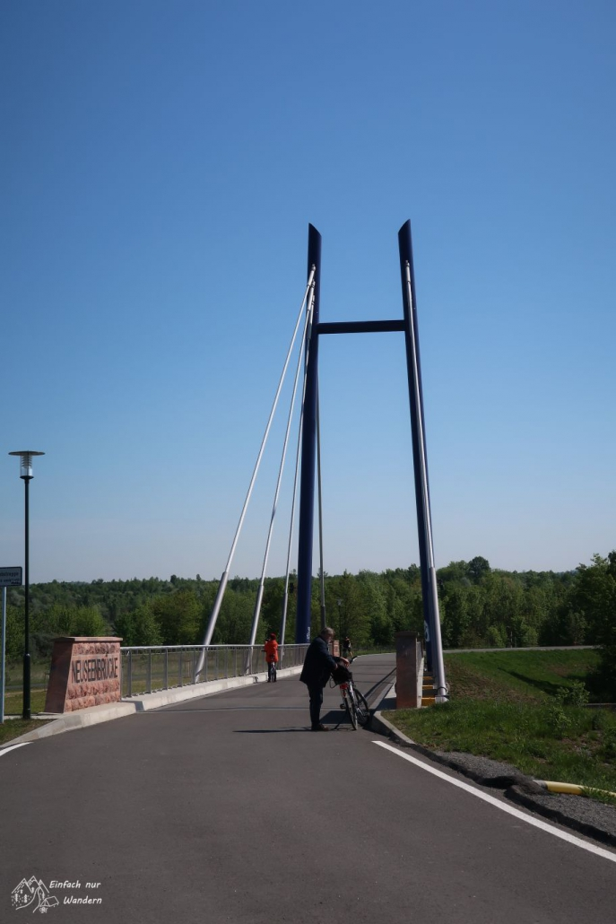 Wir passieren die neue Neuseenbrücke.