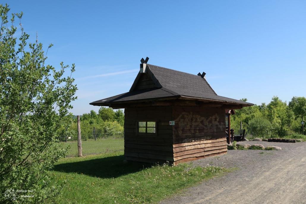 Der Rastplatz am Bisongehege dient zum erholen als auch beobachten der Tiere.