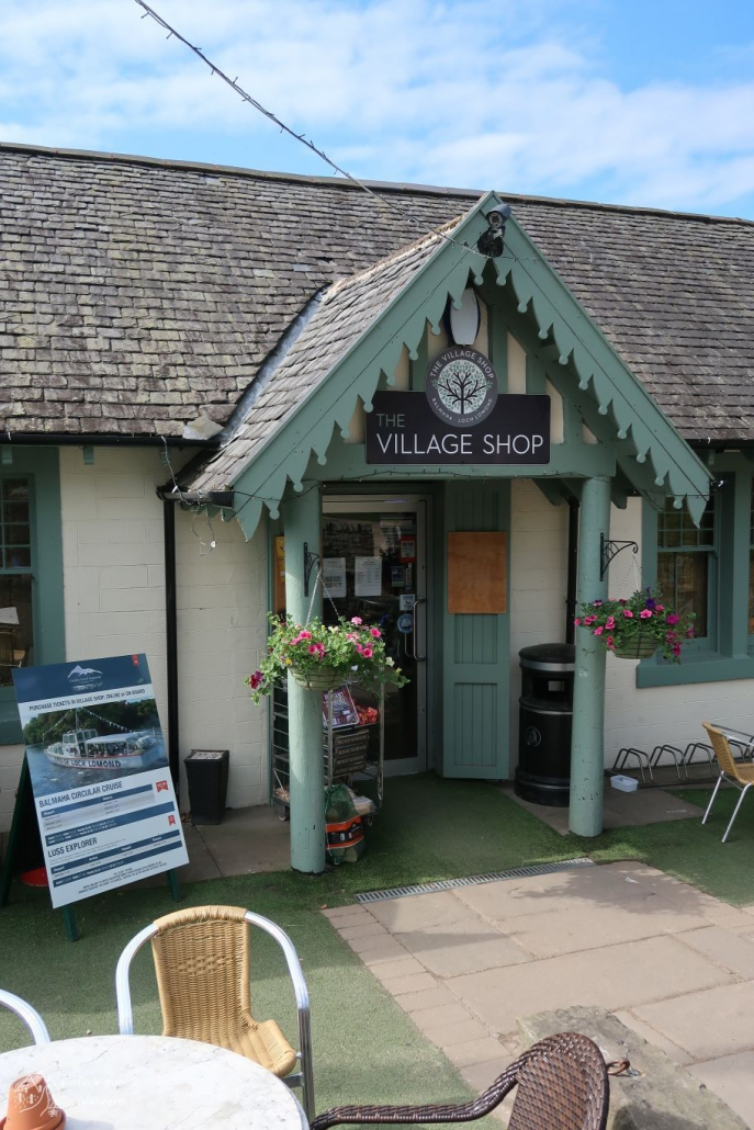 Der kleine aber nette Village Shop in Balmaha. am West Highland Way