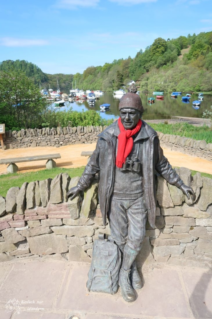 Die Statue von Tom Weir, einem bekanntem schottischen Bergsteiger und Autor.