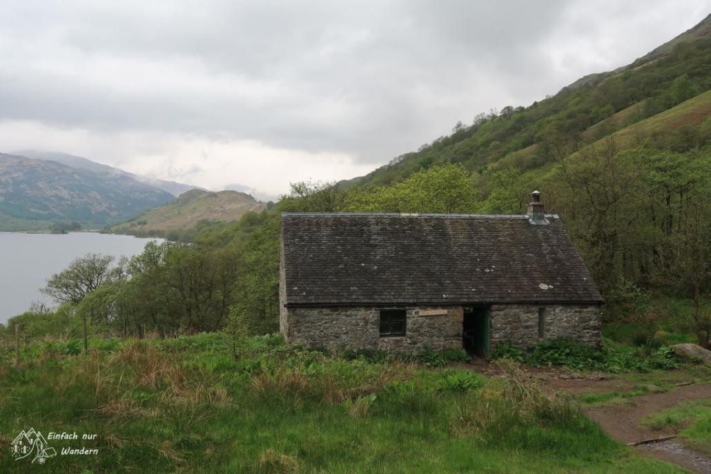 Ich erreiche die sogenannte Doune Byre, eine Schutzhütte am Loch Lomond aus Stein gebaut.