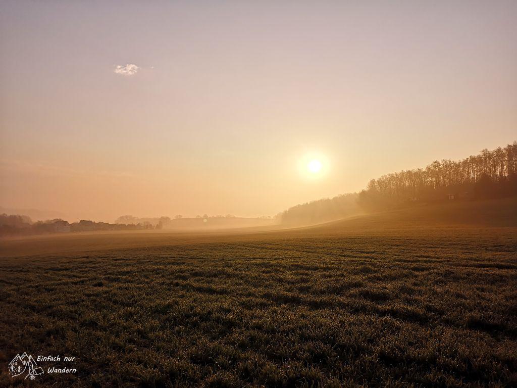 Beim Sachsendreier geht langsam die Sonne auf.